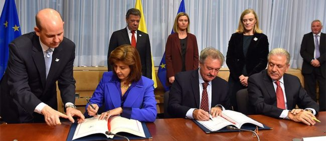 Signing the Schengen agreement with Colombia