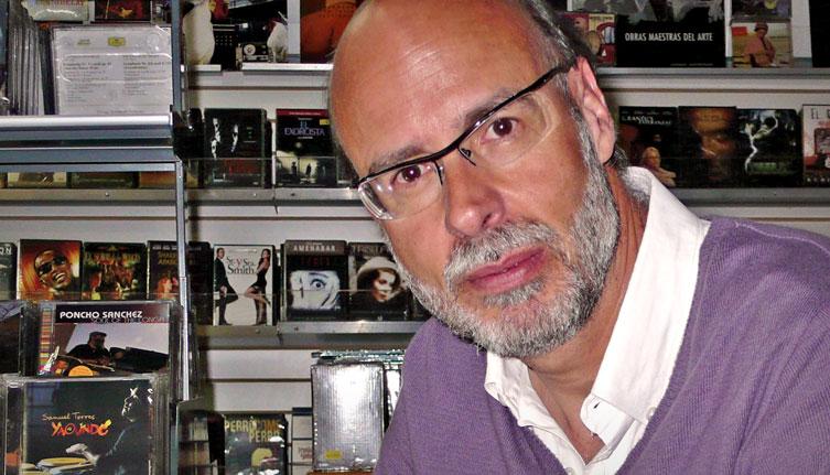 Camilo de Mendoza, the owner of Tornamesa record store in Bogotá