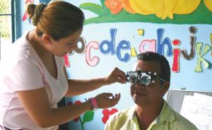 Doctors attend a patient in La Uribe, Meta.