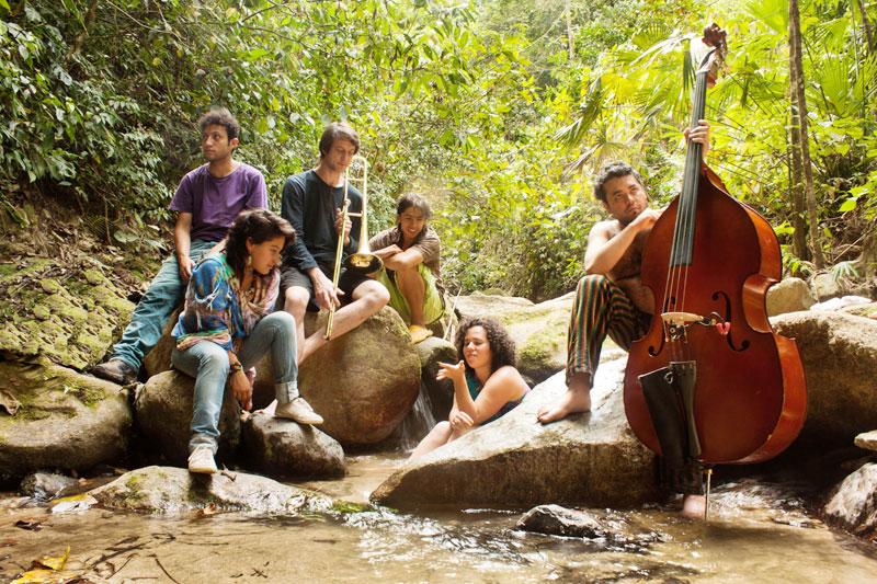 Jazz ensemble mariazu in the Sierra nevada.
