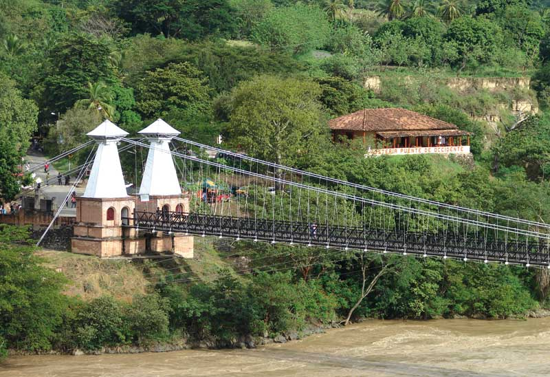 The Puente de Occidente over the Cauca River.