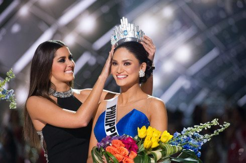 Miss Philippines is crowned Miss Universe 2015