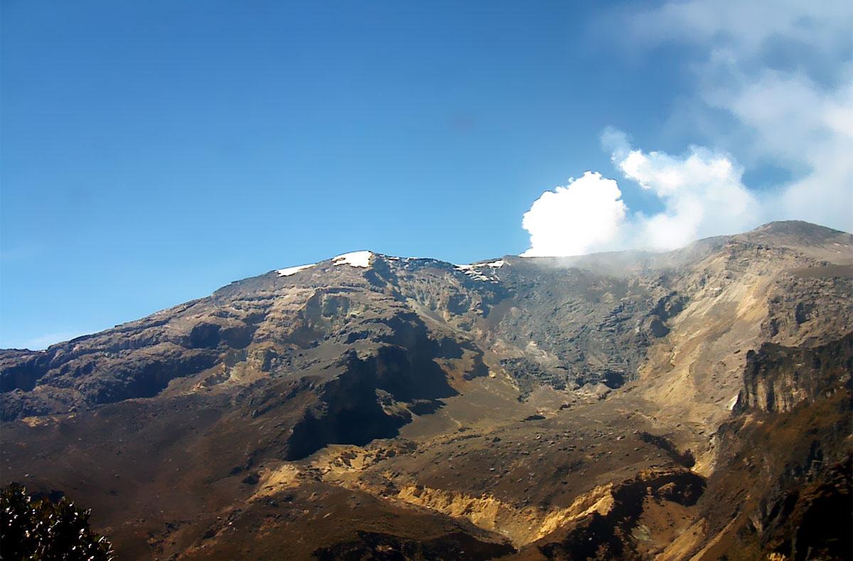 An image of the Volcán Nevado del Ruiz released by Colombia's Servicio Geológico