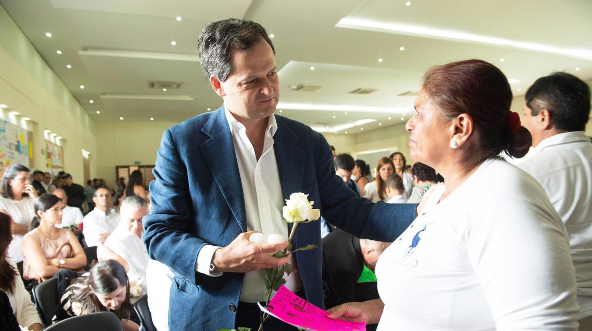 Sergio Jaramillo with families of disappeared in Villavicencio