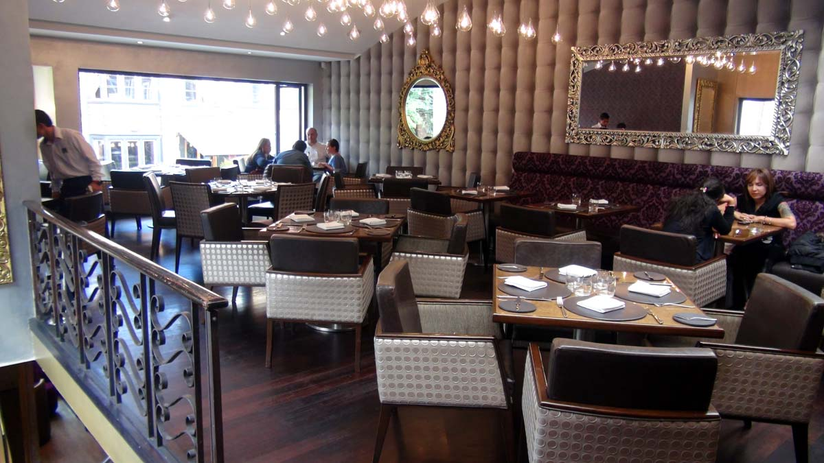 The dining room at Criterion in Bogotá