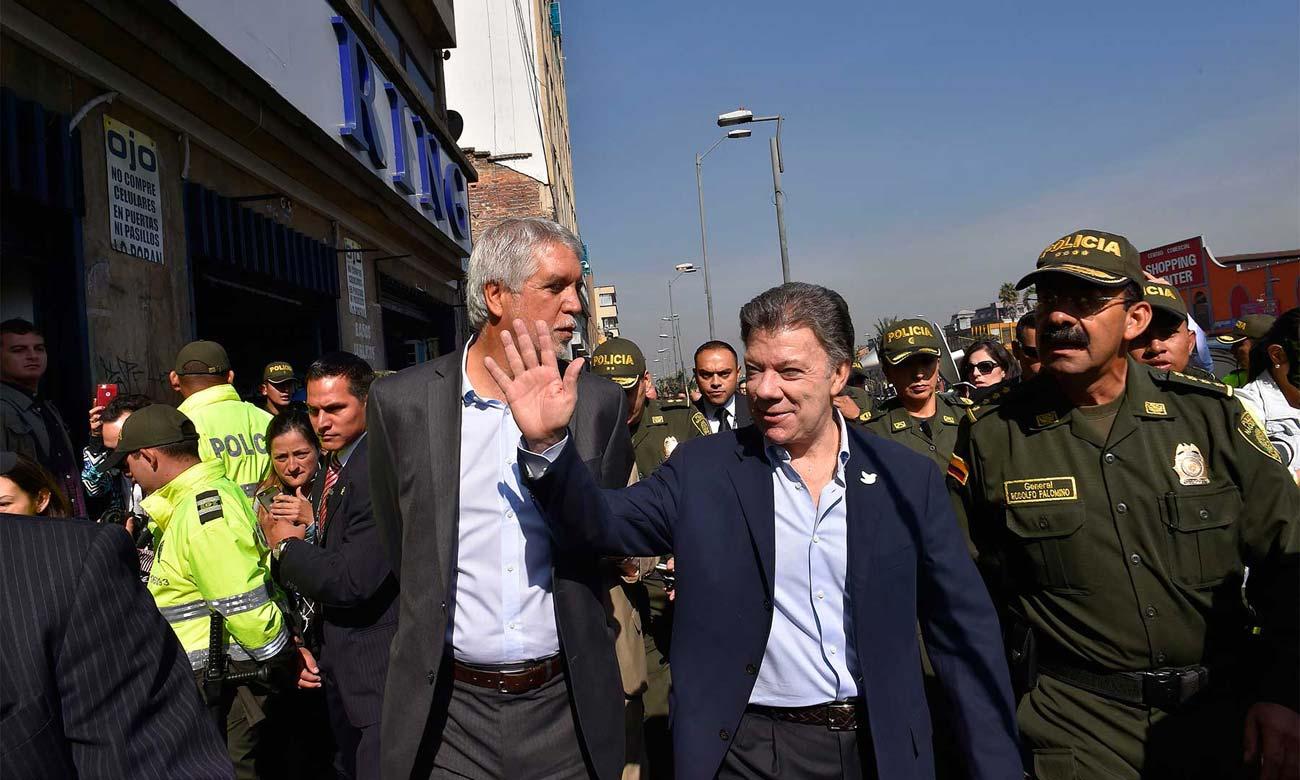 Santos and Peñalosa address security in Bogotá