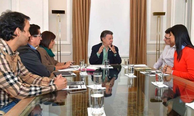 President Santos with Ministry of Health officials