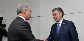 President Juan Manuel Santos meets with former President Alvaro Uribe to discuss how Colombia can move forward with its peace process (Photo courtesy Presidencia de la Republica)