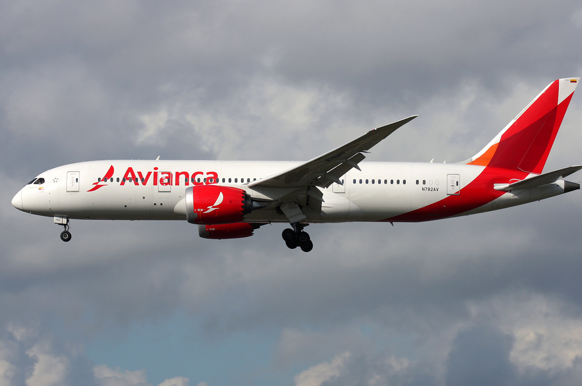 Colombia Offers Dreamliner Service To Blighty And Beyond