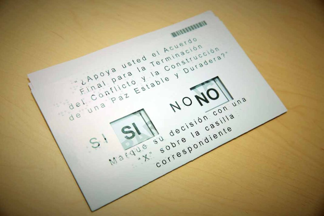 This sample voting card shows the choices before Colombians in a plebiscite vote Sunday to determine the fate of a peace deal with the FARC guerrilla group. (Photo courtesy Registraduria Nacional)