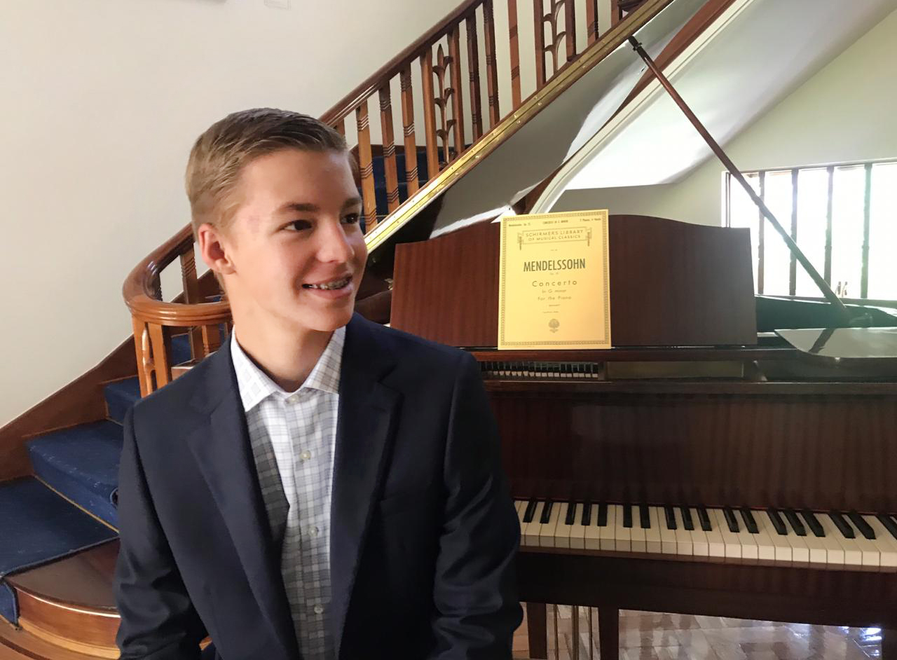 Pianist Wiley Skaret performs benefit concert with Bogotá Philharmonic Orchestra | The City Paper Bogotá